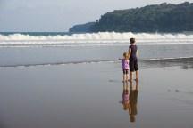 am Strand von Pacitan