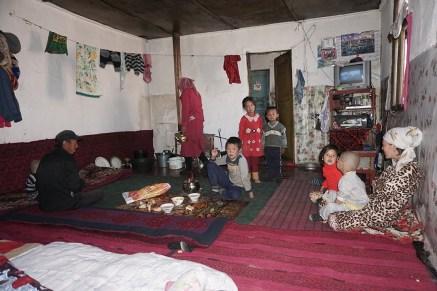 Übernachtung bei Yak-Bauern nahe der kirgisisch-tadschikischen Grenze auf etwa 4000m Höhe