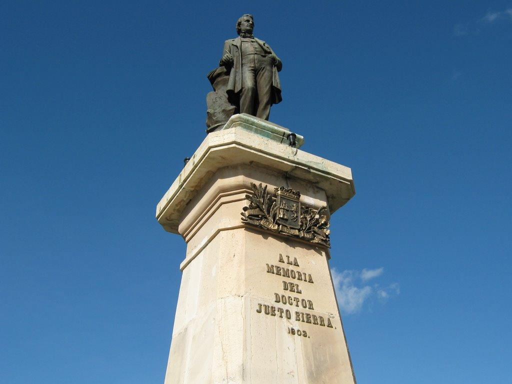 justo-sierra-o´reilly-monumentos-historicos-en-merida-asiesmerida