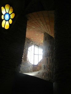 crypta guell 15