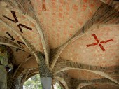 crypta guell 8