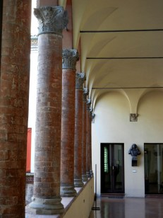 In Bologna, even the columns can be brick ...