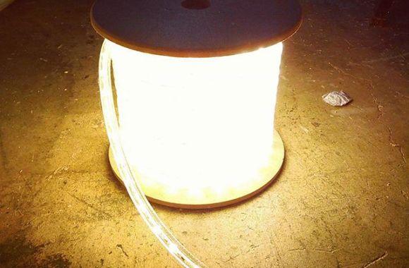 LED チューブライト一巻き14まんえん。