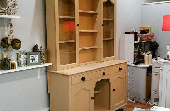 アンティーク食器棚のレストア納品完了