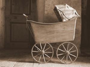 Old stroller. Photo: Anna Laura Irsara / flickr