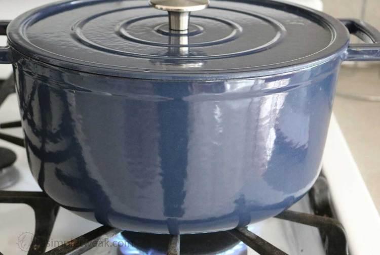 Pot-of-Beef-soup