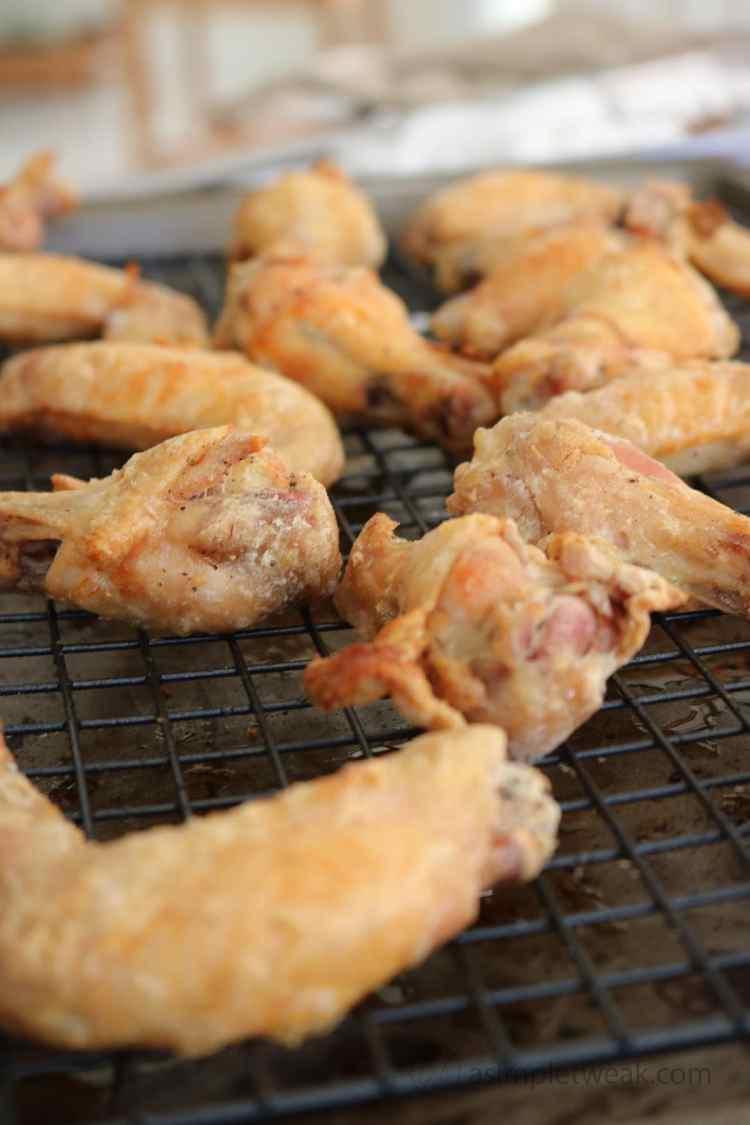 Crispy-and-tender-chicken-wings-by-asimpletweak