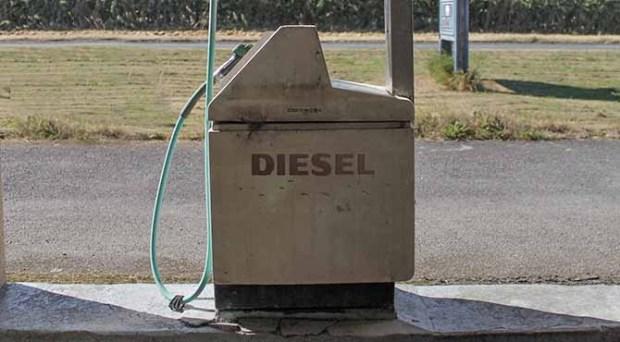 Dizel točilica za gorivo na benzinskoj pumpi