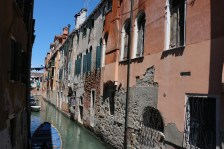 I love this unpretentious and raw side of Venice.
