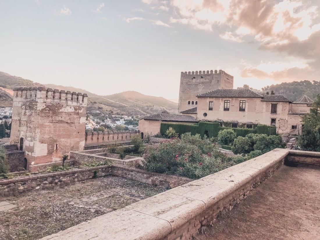 24 Travel Inspiring Photos of Granada