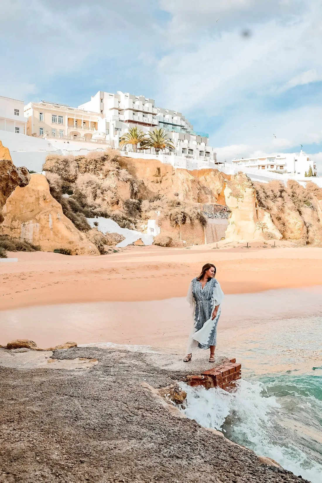 How to go to Albufeira From Faro?