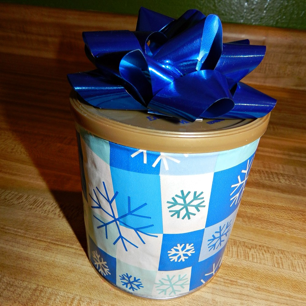 Advent {Day 8}: UpCycle Gift Wrap (2/5)
