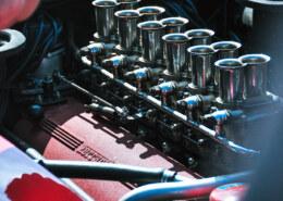ما هي المواسير الموجودة على المحركات المعدلة؟ وما وظيفتها؟