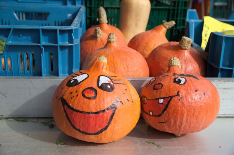 Laughing pumpkin