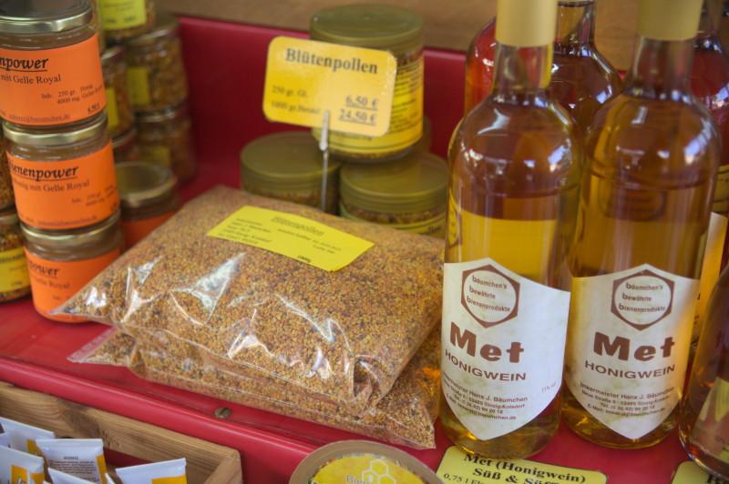 bee pollen & mead (honey wine)