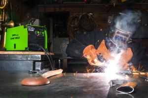 Forney Easy Weld 140-FC-i In Use