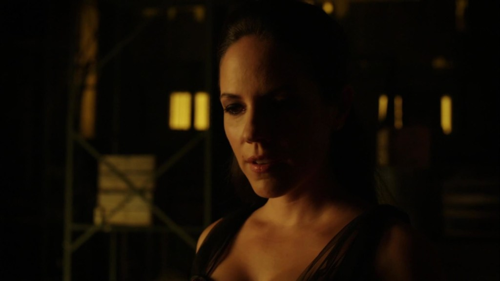 Bo with evil smile in Lost Girl 4x04