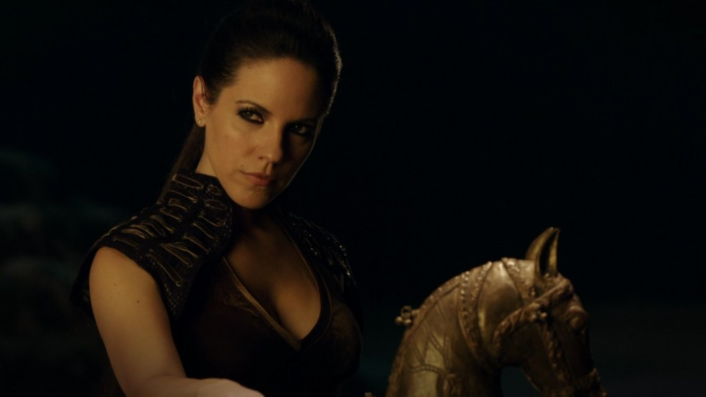 Bo with horse in Lost Girl 4x12