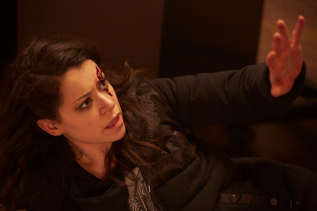 Sarah Manning in Orphan Black 4x10 From Dancing Mice to Psychopaths