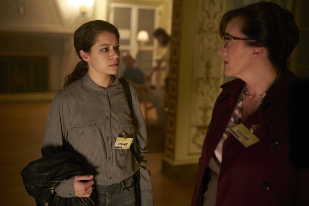 Sarah Manning and Mrs. S in Orphan Black 5x04