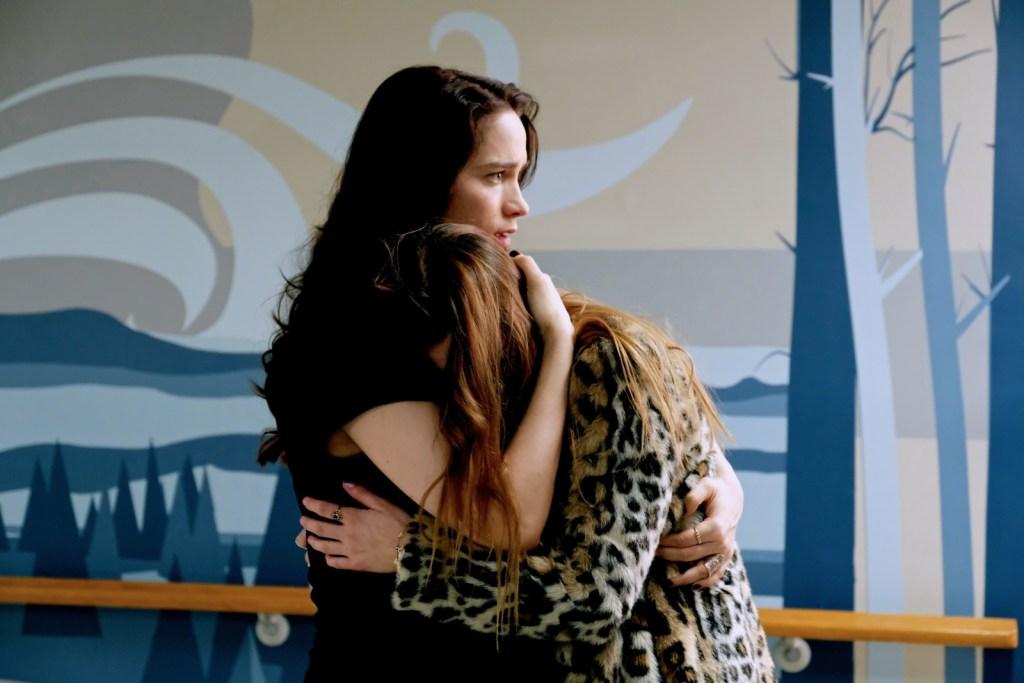 Wynonna and Waverly in Wynonna Earp 2x10