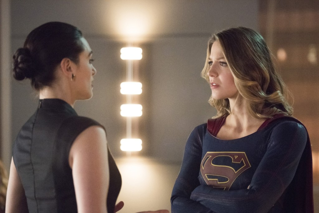 Supergirl and Lena talking in Supergirl 2x15