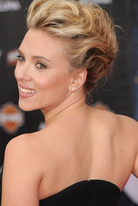 15 Best Updos For Curly Hair