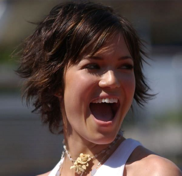 15 Funky Mandy Moore Short Hairstyles