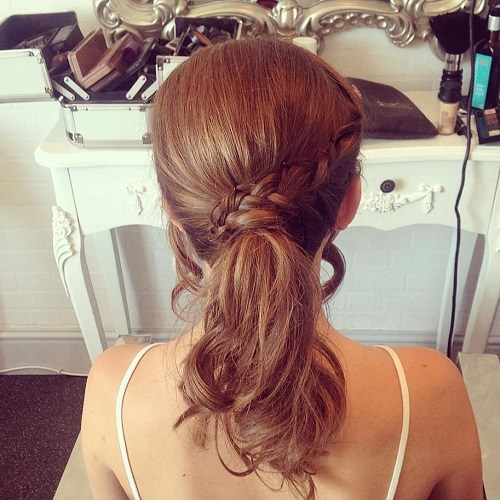 Hairstyle For Attending Wedding: Classy Hairstyles For Wedding Guests