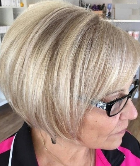 Layered Hairstyles For Women Over 50 94