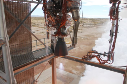 Blue Origin's BE-3 rocket engine ramps up to full power operations of 110,000 lbf thrust. Photo credit: Blue Origin