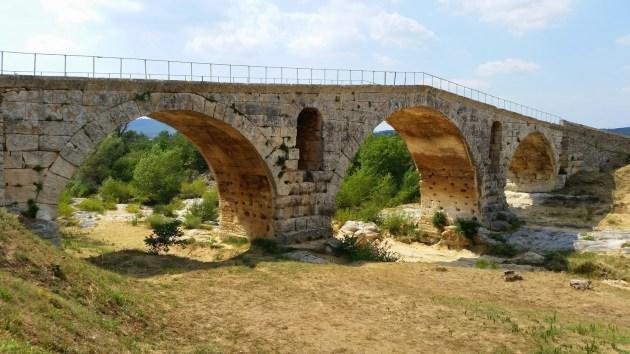 мост Пон-Жюльян Прованс