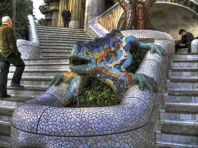 Саламандра - символ парка Гуэля в Барселоне