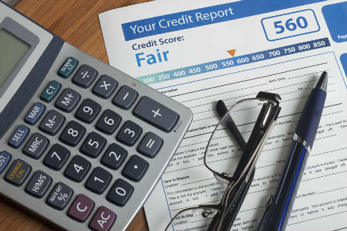 How Long Will a Bankruptcy and Foreclosure Appear on My Credit Report