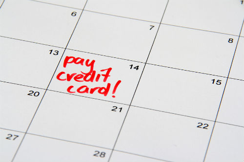 Should you pay your credit card bill in full