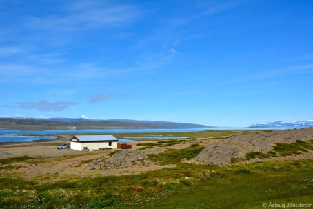 """Steinshús við Ísafjarðardjúp – """"og hafið sagði: Ó Key …"""""""