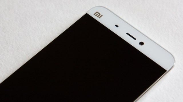 Xiaomi Mi5 - Up face side
