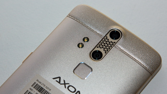 ZTE Axon Elite Review - Up back side