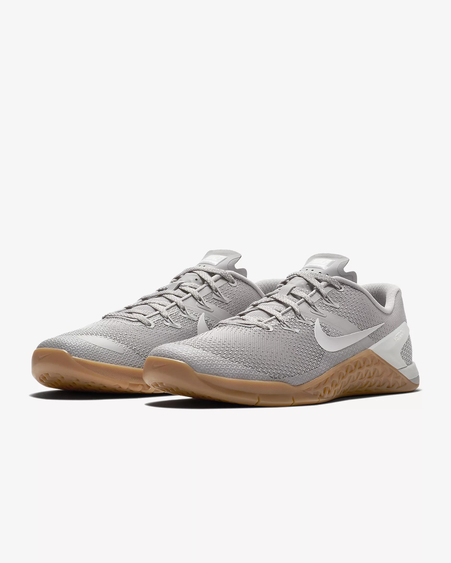 Atmosphere Grey/Black \u0026 Gum Nike Metcon