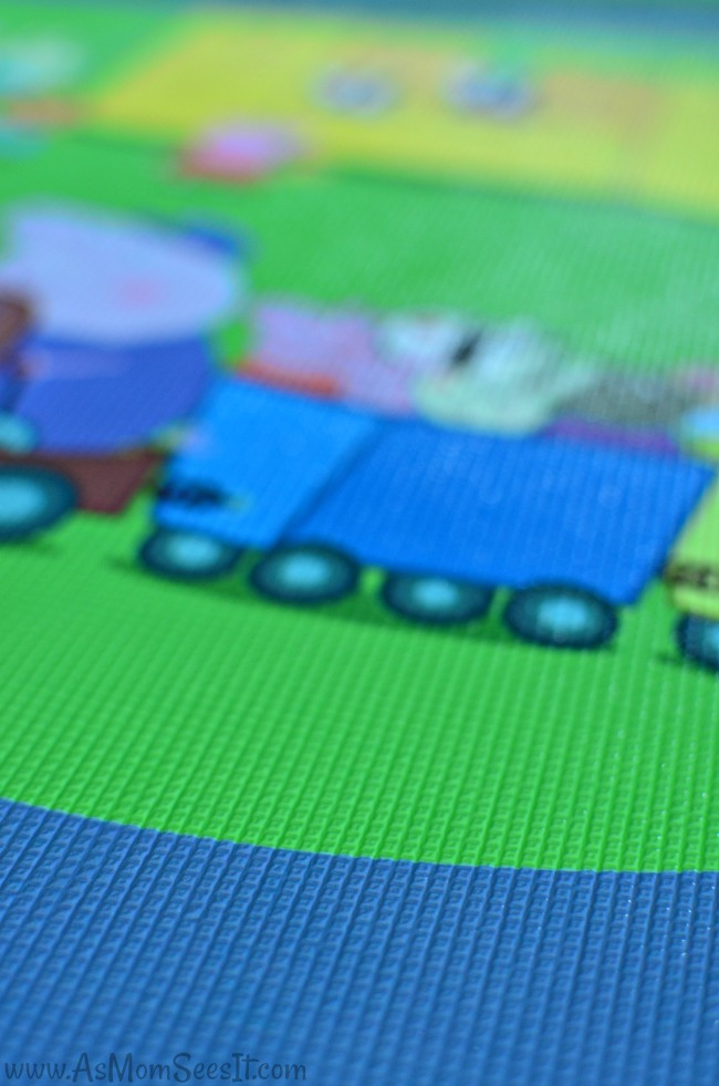 Peppa Pig Jumbo Playmat is completely washable and very soft