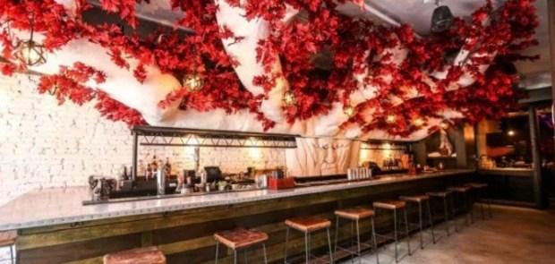 В США появился гигантский бар посвященный