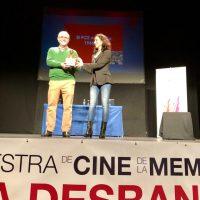 La entrega del Premio 14 de Abril a José María Azuaga y la proyección de El Silencio de los Otros clausura la VI Muestra de Cine La Desbandá