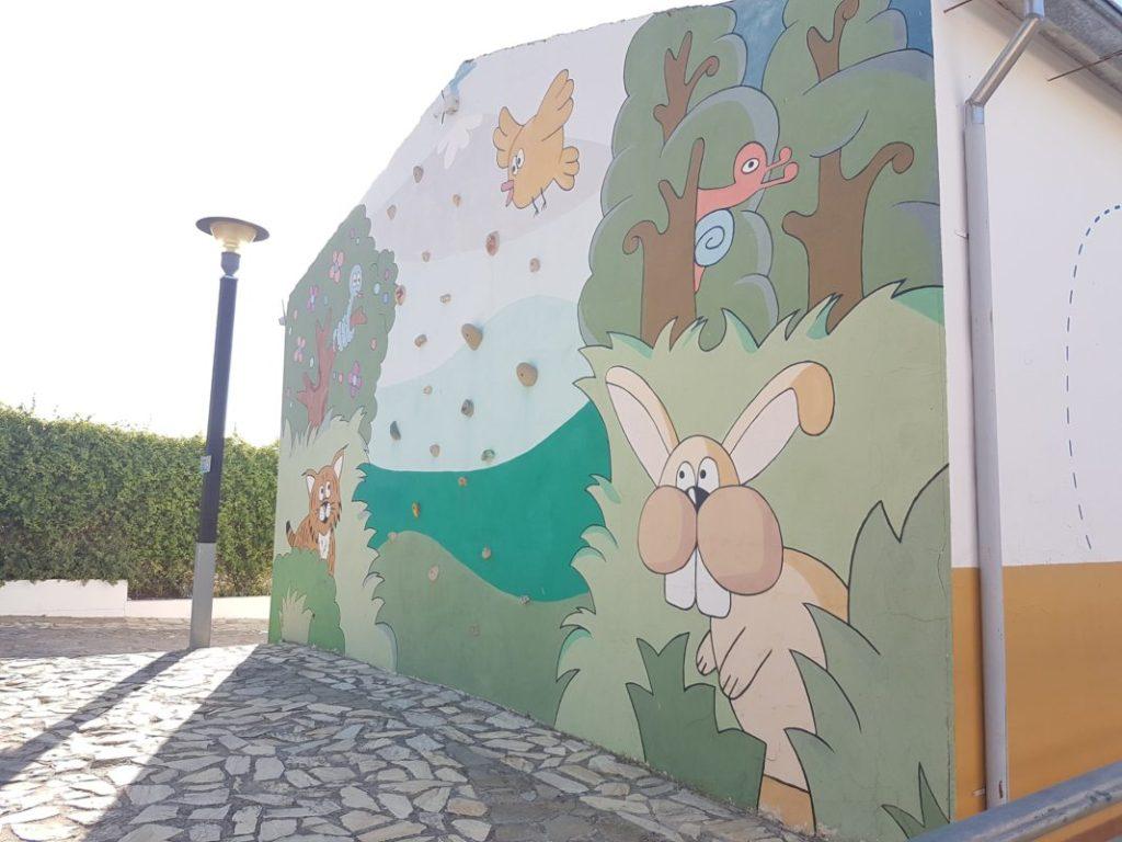 Mural rocódromo en el lugar del evento del VI Foro Andaluz de Galms