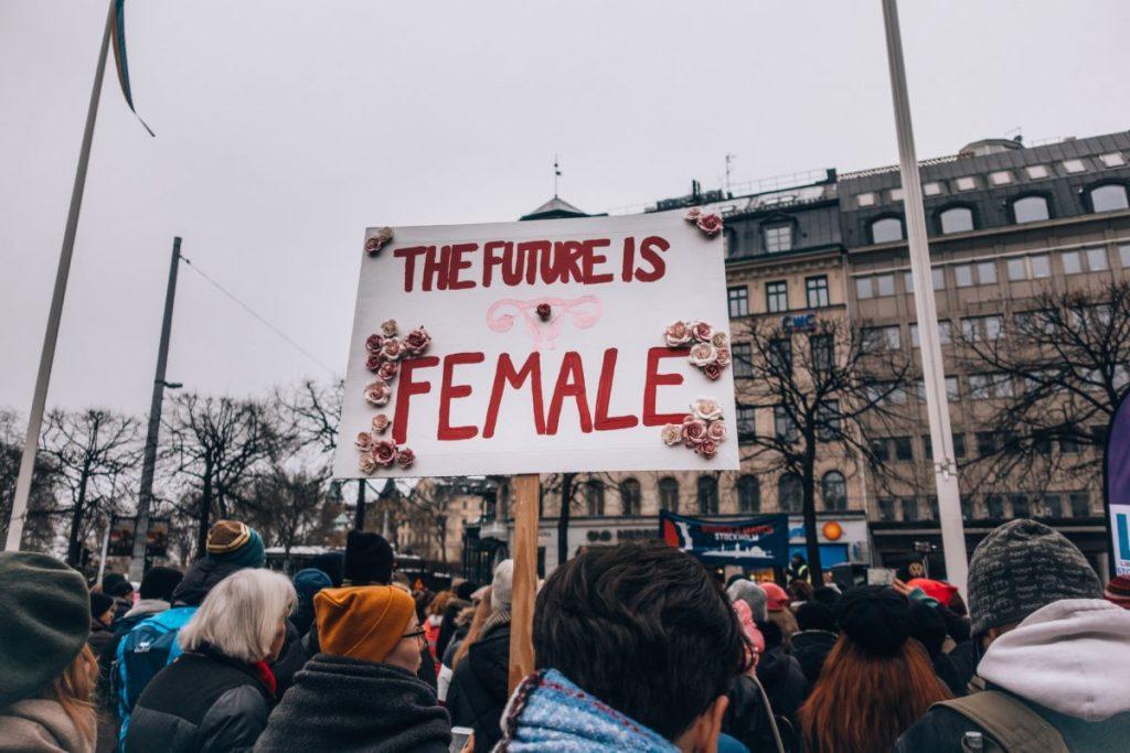 Manifestación del feminismo, compatible con la maternidad?