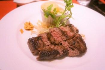 今回ご紹介したお店は<神戸ステーキ プロペラ 三宮(KOBE STEAK -Propeller-)>です。 住所:兵庫県神戸市中央区磯上通8丁目1−14 TEL:078-862-3972 三宮駅から徒歩5分。神戸牛のステーキがランチだとめちゃめちゃ安いよ。