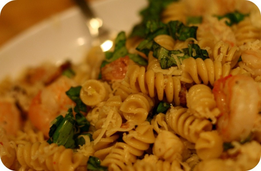 how to make seafood pasta with white wine sauce