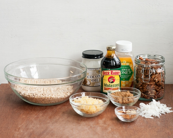 gingerbread granola ingredients