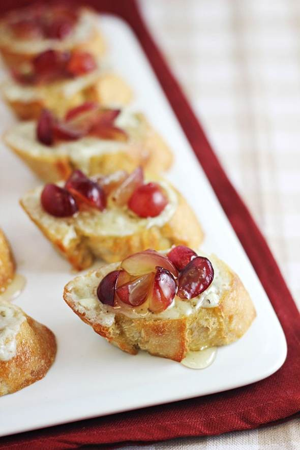 Grape Crostini with Blue Cheese Spread and Honey from Home Cooking Memories