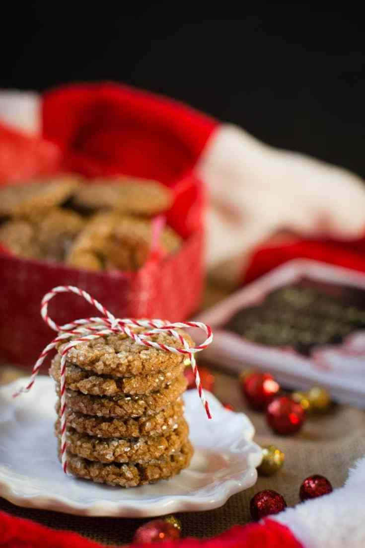 Molasses Spice Crinkle Cookies