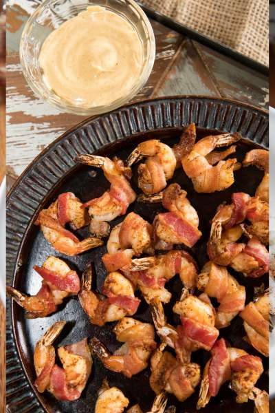 bacon wrapped shrimp with remoulade sauce